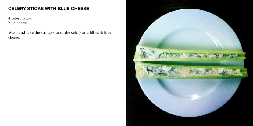 CELERY STICKS WITH BLUE CHEESE